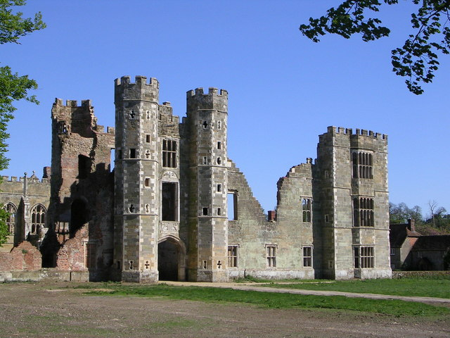 Cowdray-Castle