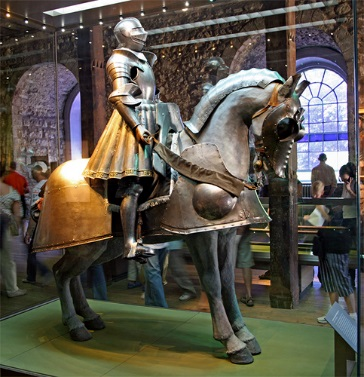 Henry-VIIIs-jousting-armour-from-the-early-years-of-his-reign.-He-is-wearing-this-or-similar-at-the-joust-celebrating-the-birth-of-his-short-lived-son-Henry-Duke-of-Cornwall