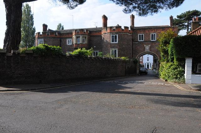 Richmond-Gatehouse-3