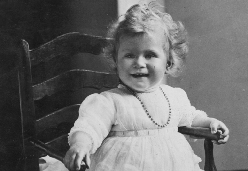 Queen-as-child