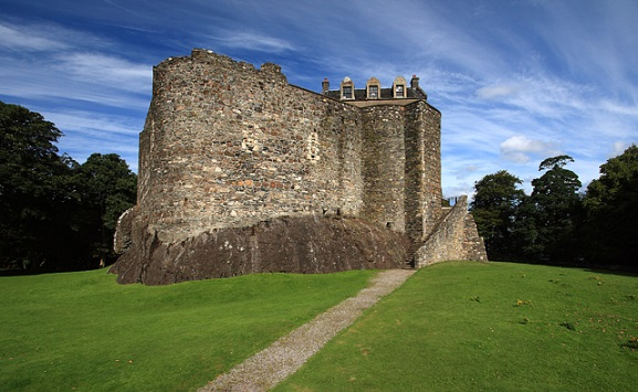 Dunstaffnage-Castle-remains
