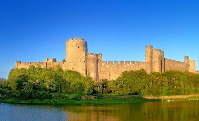 Pembroke-Castle-where-Margaret-Beaufort's-son-later-Henry-VII-was-born