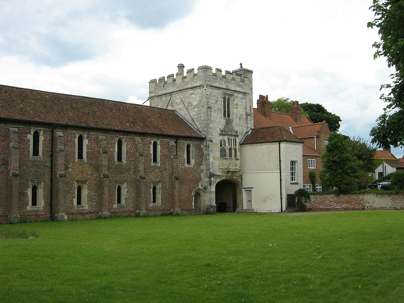 The-Gatehouse-at-Cawood-Castle-Wolsey's-last-home