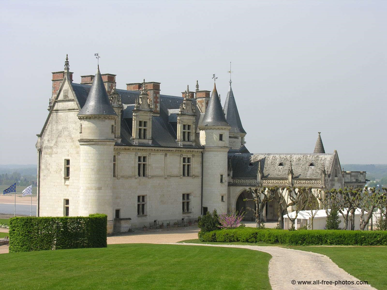 The-chateau-of-Amboise-where-James-may-first-have-met-Madeleine-of-France-–-the-influence-on-Falkland-Palace-is-obvious