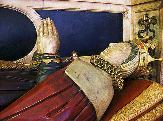 Bess Of Hardwick Tomb © Poliphilo Licensed Under Cc0 Via Wikimedia Commons