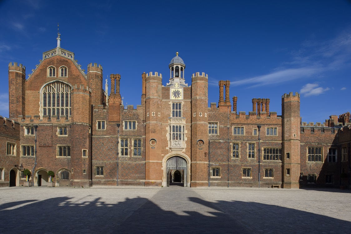6.Base-Court-HCP-Historic-Royal-Palaces-Photo-Robin-Forster-2010- DF 5662RGB-3