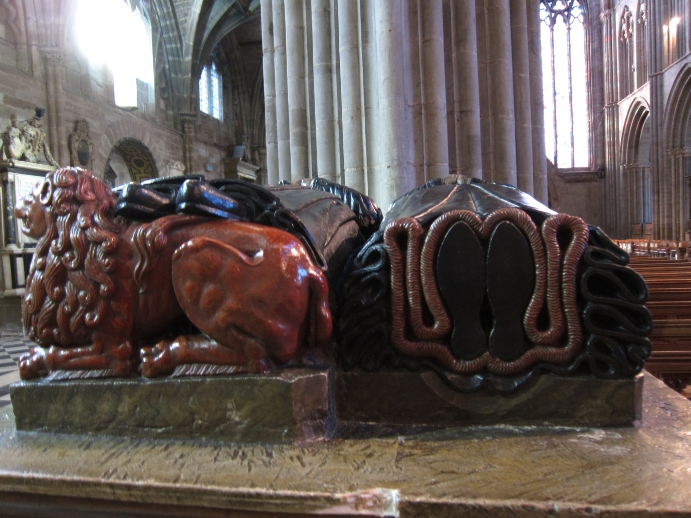 Detail-of-the-tomb-of-Mr-Mrs-Wylde-of-Worcester-©Tudor-Times-2015