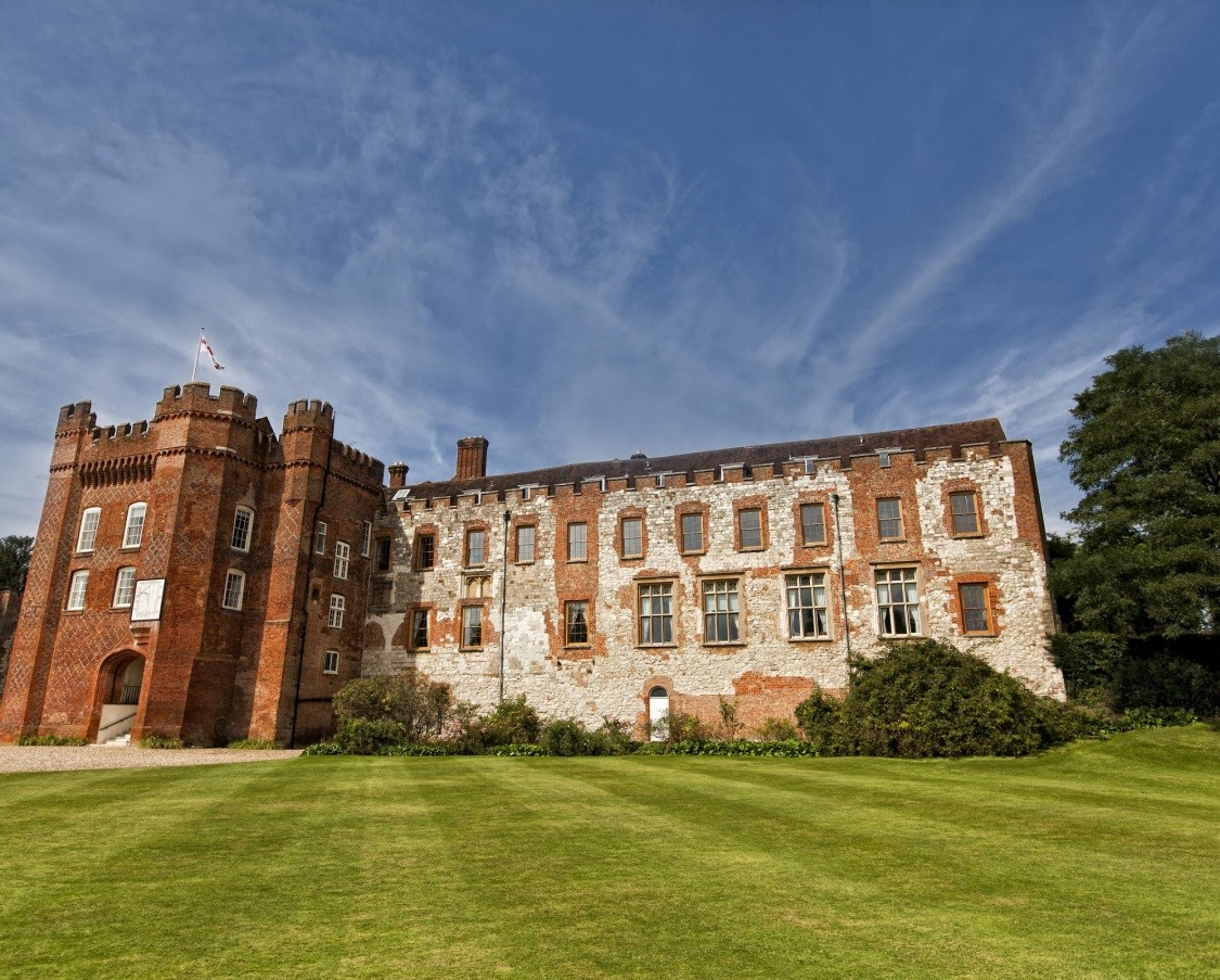 Farnahm-Castle-where-Penelope-was-raised-to-the-rank-of-an-earl