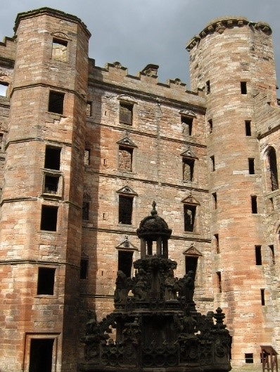 Linlithgow-Palace-where-James-V-was-born-©-Tudor-Times-2015