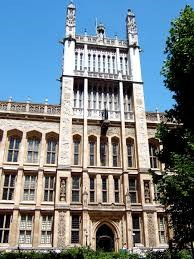 Maughan-Library-–-on-the-site-of-Rolls-House-Cromwell's-official-residence-as-Master-of-the-Rolls