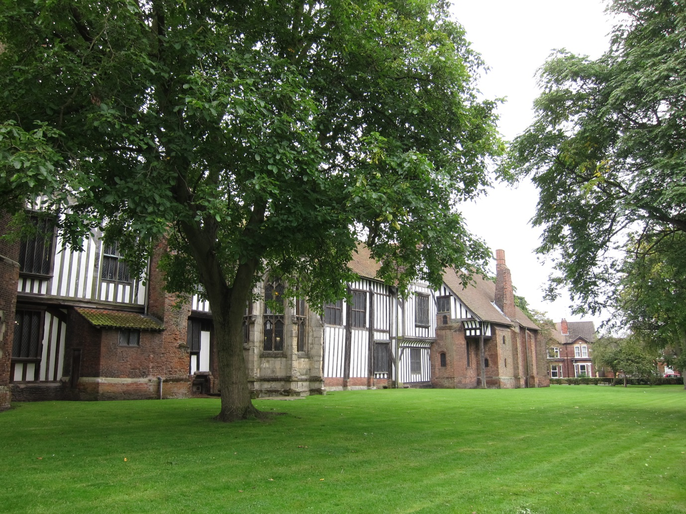 Old-Gainsborough-Hall-cropped