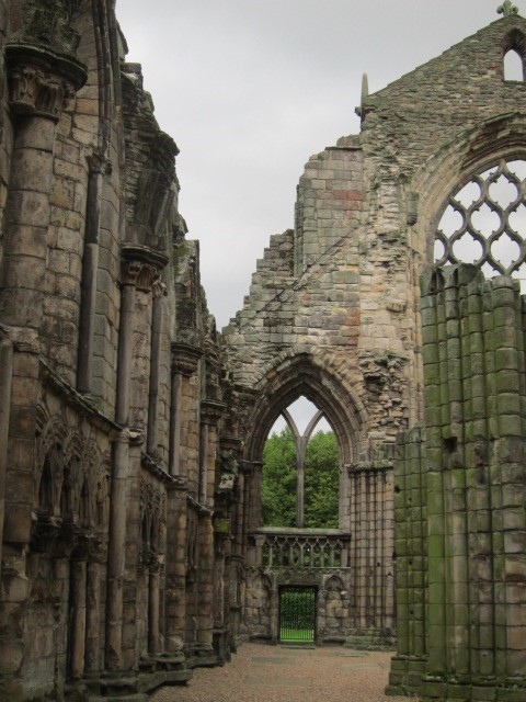 Ruins-of-Holyrood-Abbey-burial-place-of-James-V-and-his-first-Queen-Madeleine-of-France-©-Tudor-Times-Ltd