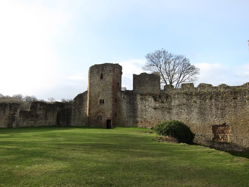 St-Peters-Chapel-left-and-Mortimer-Tower-Ludlow-Castle-Tudor-Times-2015