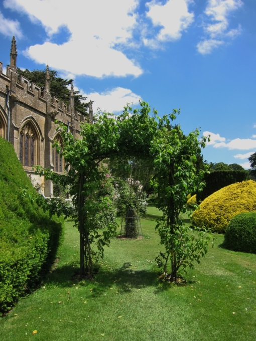 Sudeley-Castle-KP-Topiary