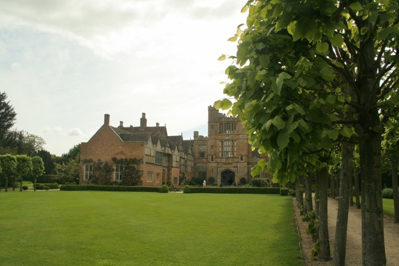The-Gatehouse-from-the-Lime-Walk