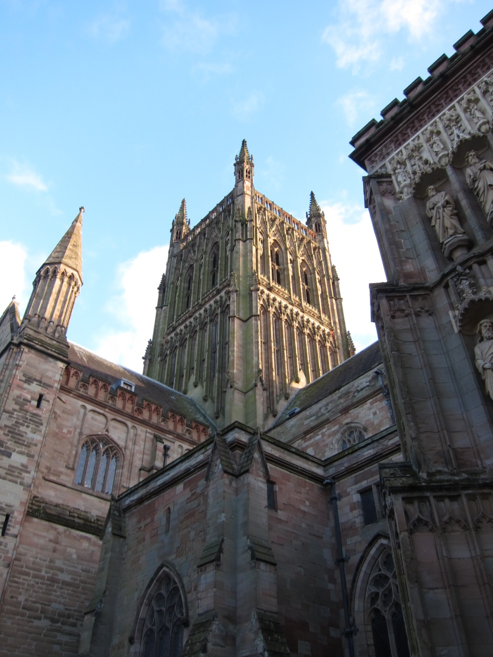 The-Tower-of-Worcester-Cathedral-in-Decorated-style-c.-1374-©Tudor-Times-2015