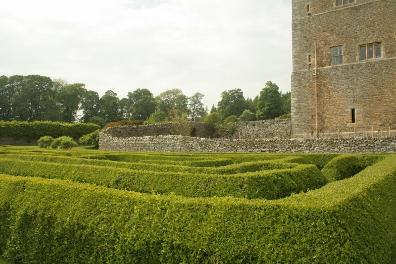 The-maze-at-Bolton-Castle-©-Tudor-Times-2015