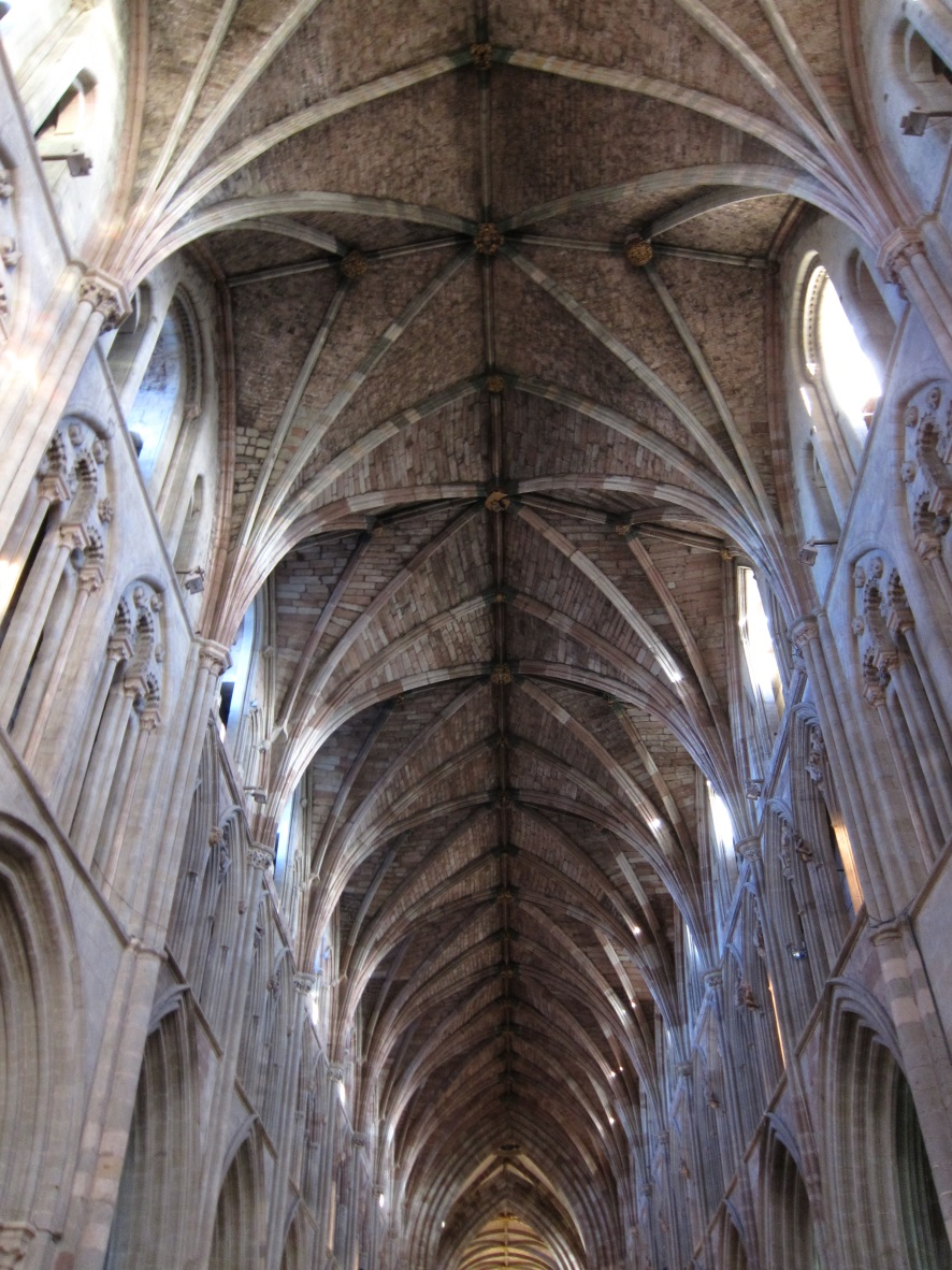 The-nave-of-Worcester-Cathedral-©-Tudor-Times-2015