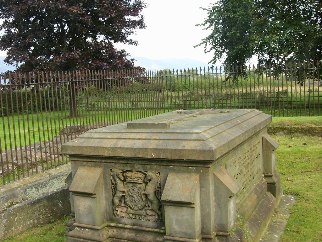 Tomb-of-James-III-and-Margaret-of-Denmark-Flickr-Wendy